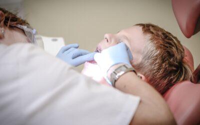 Partir chez son dentiste en cette période de pandémie : quelles sont les précautions prises pour protéger les patients?