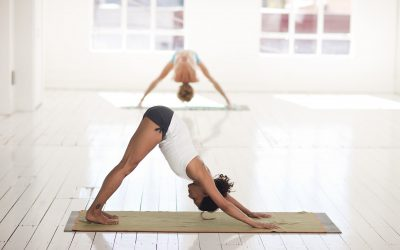 5 raisons pour lesquelles votre colonne vertébrale aime le yoga